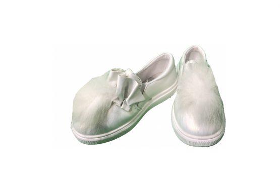 Pantofi albi cu blanita